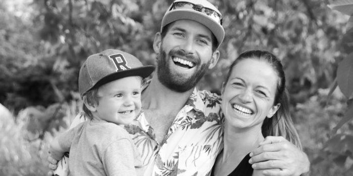 Finca Familie Lenny, James und Nina, Schnappschuss in schwarz-weiß