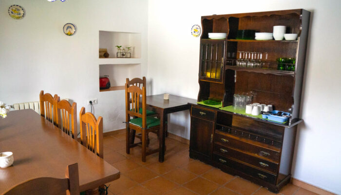 Dining room for up to 10 people in Casa Vegana