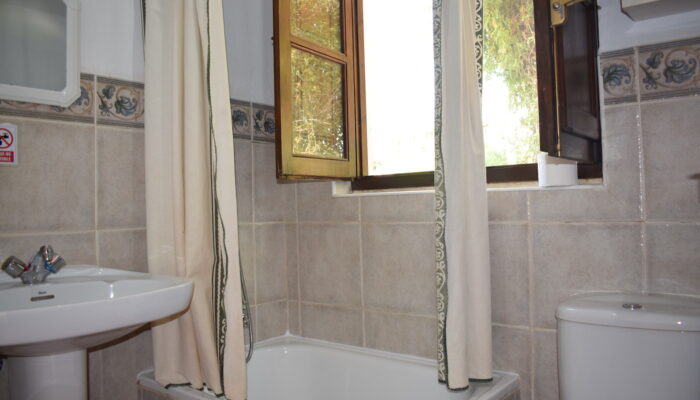 Bathroom in Cottage La Solina with shower