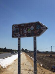 Señal para El Palmar, un pueblo famosos entre los surfistas