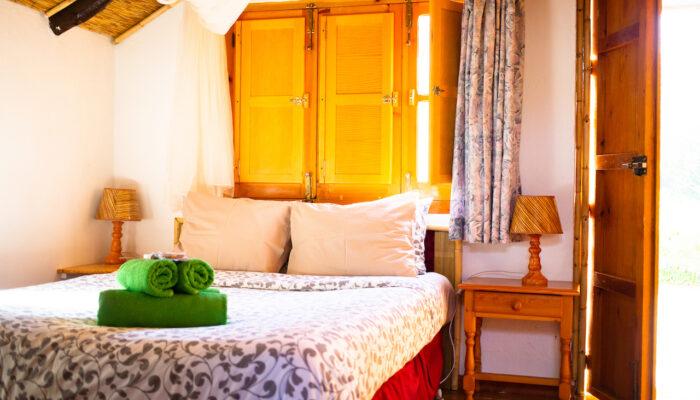 La cama cómoda de la Cabaña Robinson